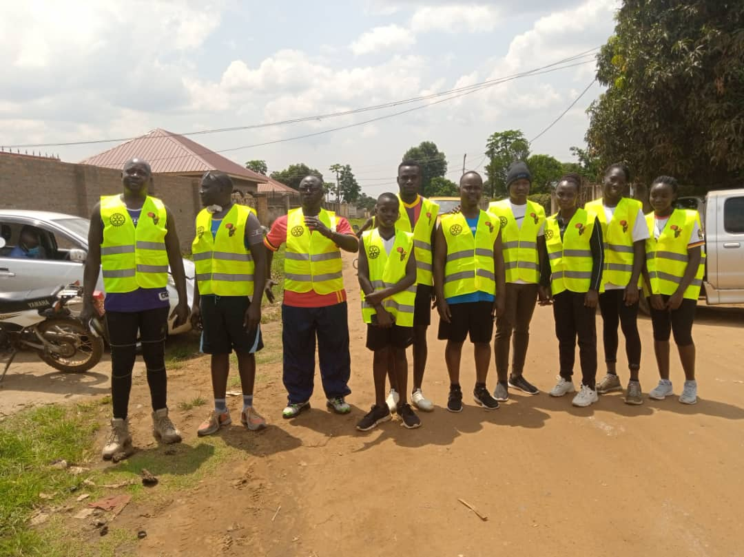 Members at the onset of the run